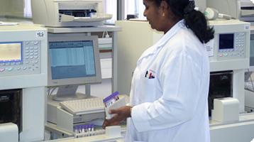 fp_thumbs_blood_testing